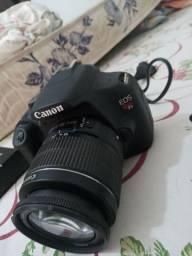 Camera canon t5 com 2 carregadores cartao de memoria e 1 bateria