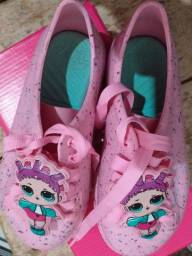 Sapatos usados bem conservados