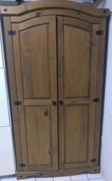 Guarda roupas madeira