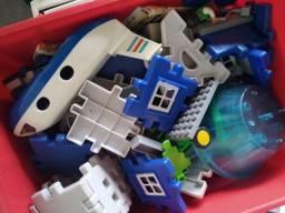 Lego Airport -usado na caixa e futebol total na caixa / leia com atenção