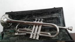 Trompete Weril JR 92 - Afin.: Bb, com case - R$ 550