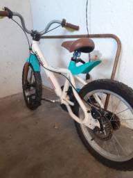 Vendo bike infantil semi nova
