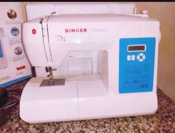 Máquina de costura digital