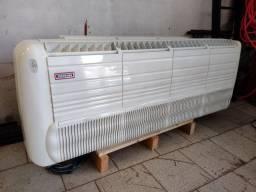 Ar condicionado split 60.000 btu frio carrier semi-novo ótimo estado