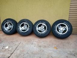 Rodas e pneus usados