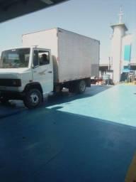 Mudança e frete caminhão baú.