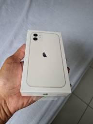 Vendo Iphone 11 256gb Branco Lacrado na caixa