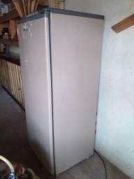 geladeira cônsul pratice 300 L funcionando perfeitamente apenas 350 reais