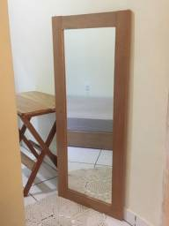 Título do anúncio: Espelho com moldura de madeira