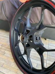 Roda R3 e MT03 original