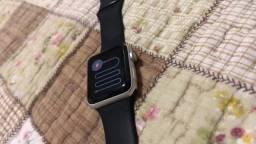 Relógio apple watch.