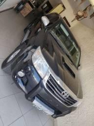 Título do anúncio: Vendo Hilux srv 4x4 preto auto 2013