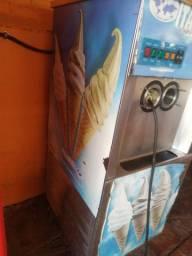 Máquina de sorvete Italianinha vende ou troca