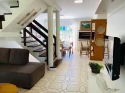Casa á venda com 3 suítes na Praia de Palmas.