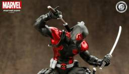 Boneco Deadpoll Black Suit kotobukiya Artfx + Statue Edição Limitada