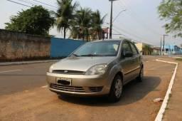 Vende-se carro, Fiesta sedan 1.6 Flex, ano 2005/2006. telefone de contato/whatsap - 2005