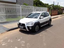 Toyota Etios Cross - 2015