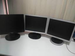3 monitores LCD