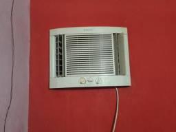 Vendo ar-condicionado Electrolux 10 mil btus