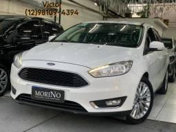 Ford Focus 2017 aut com apenas 40 mil km financio ou troco abaixo da fipe