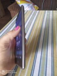 Vendo um celular lG estilo