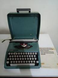 2 máquinas de escrever