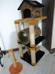 Casinha para gatos + arranhador
