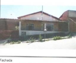 E) Casa com 2 quartos, na cidade de Nova Serrana/MG
