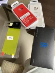 Caixa, capas e película do S9