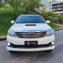 Hilux SW4 3.0 4x4 07 lugares 2014/2015
