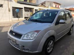 Fiesta 1.0 carro econômico bem conservado