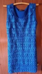 Vestido em renda azul royal