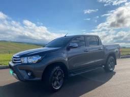 Toyota Hilux SRV 4x4 2.8