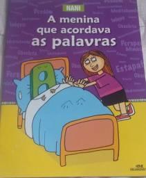 Livro A Menina que acordava as palavras