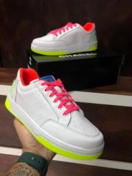 Tênis Chanel neon $180,00