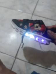 tênis do Mickey com LED