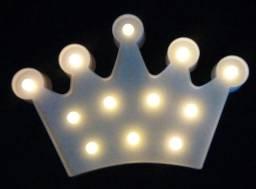 Luminária em formato de coroa rei rainha princesa príncipe (plástico)