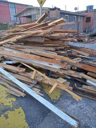 Doa-se madeira de desmanche.