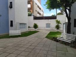 Sete Coqueiros - 84 m² - 3 quartos - Bancários (Elevador)