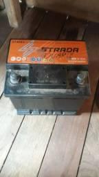 Título do anúncio: Vendo bateria 150 reais e de 45 Ampére