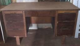 Título do anúncio: Vendo Escrivaninha de Madeira Pura