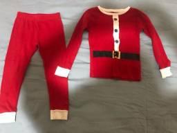 Título do anúncio: Pijama importado Carters 4 anos