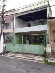 Título do anúncio: Casa na Cidade Velha, 4/4, 2 Vag. De Garagem, medindo 175m².