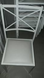 Cadeira e mesa de festa