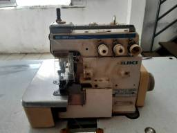 Máquina de Costura Juki Interlook usada.