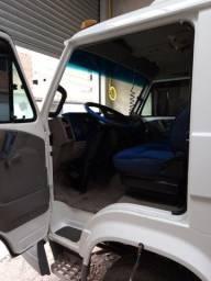 Caminhão a venda 8 150 worker baú 6.20 seis pneus novos