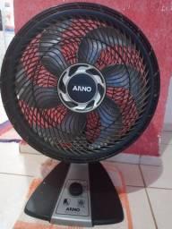 Ventilador Arno grande valor 150 reais ventila bem forte. Faço entrega