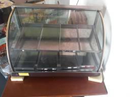 Vendo estufa com 8 bandejas, funcionando perfeitamente 5 meses de uso