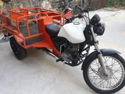 Triciclo de carga de gas troco por moto com volta em dinheiro
