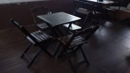 Conjunto de mesa de madeira